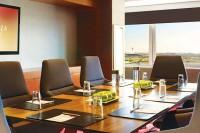 Crowne-Plaza-JFK-Airport_Meeting-Space-Boardroom-(2)