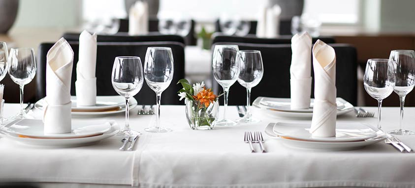 dining-etiquette-tips-for-event-professionals